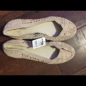 Flats cream colored